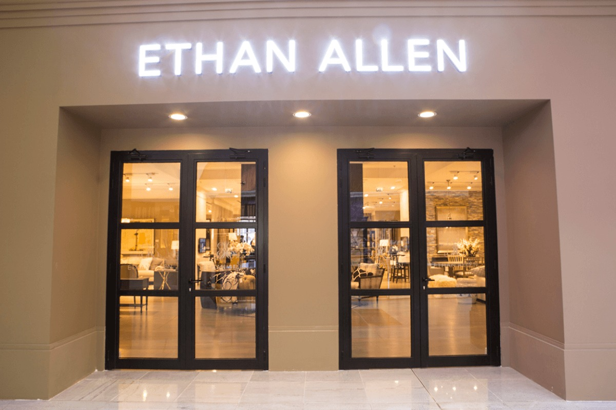 Ethan Allen An American Furniture Chain At The Dubai Mall