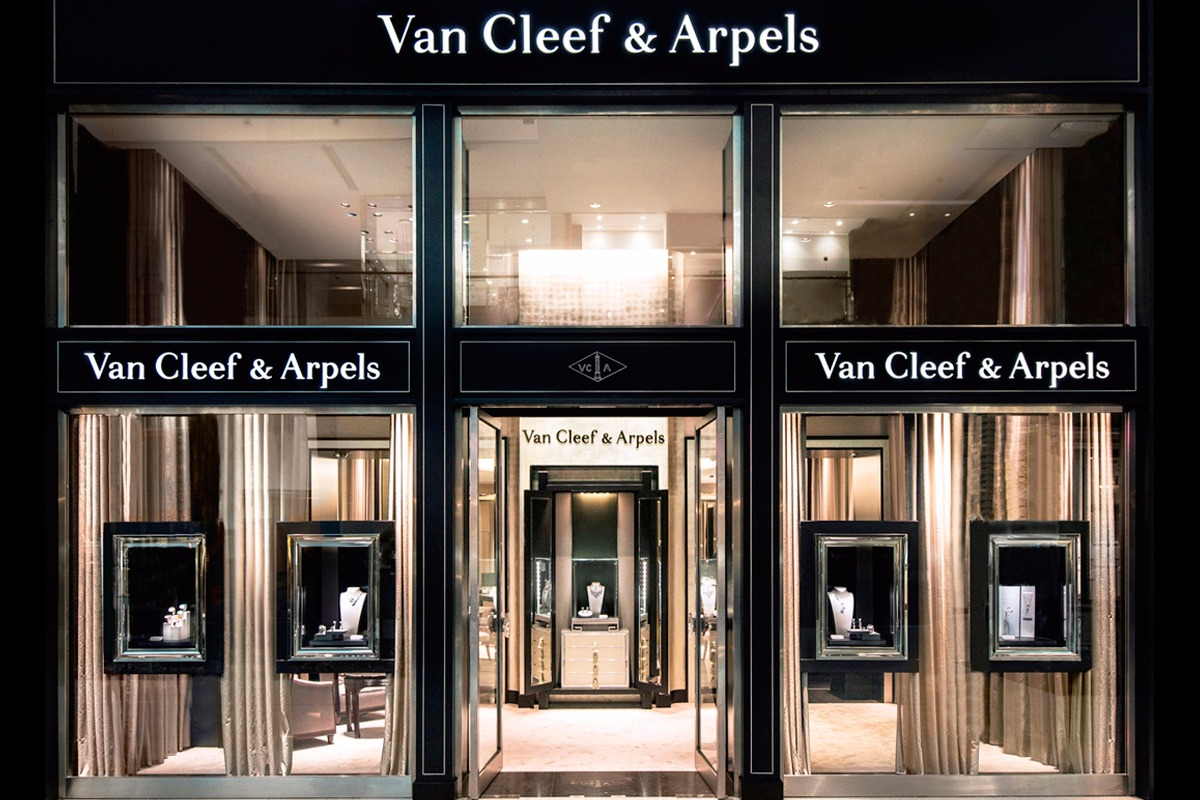 Van Cleef Amp Arpels High Jewellery Boutique At The Dubai Mall